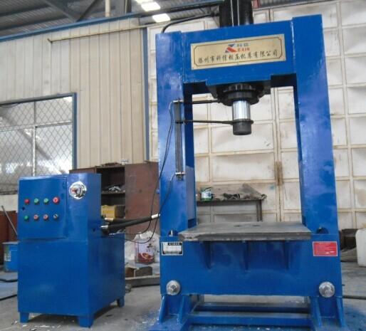 100吨常规龙门液压机