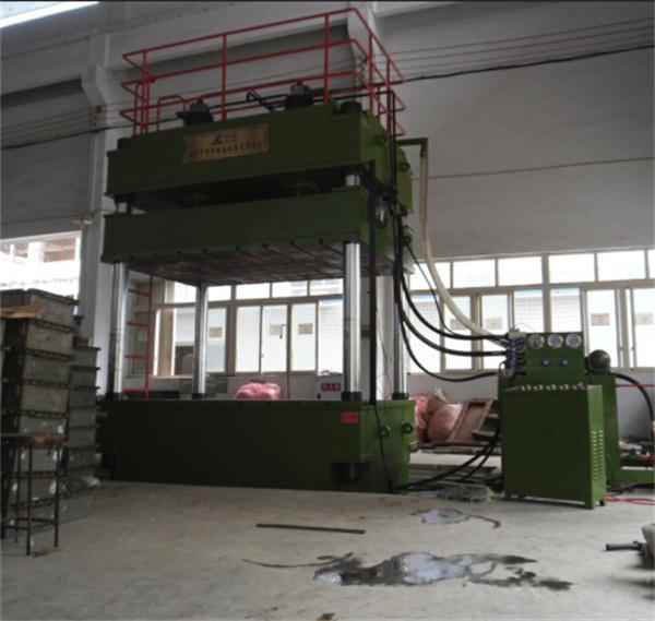 YL32-500吨大台面多功能液压机